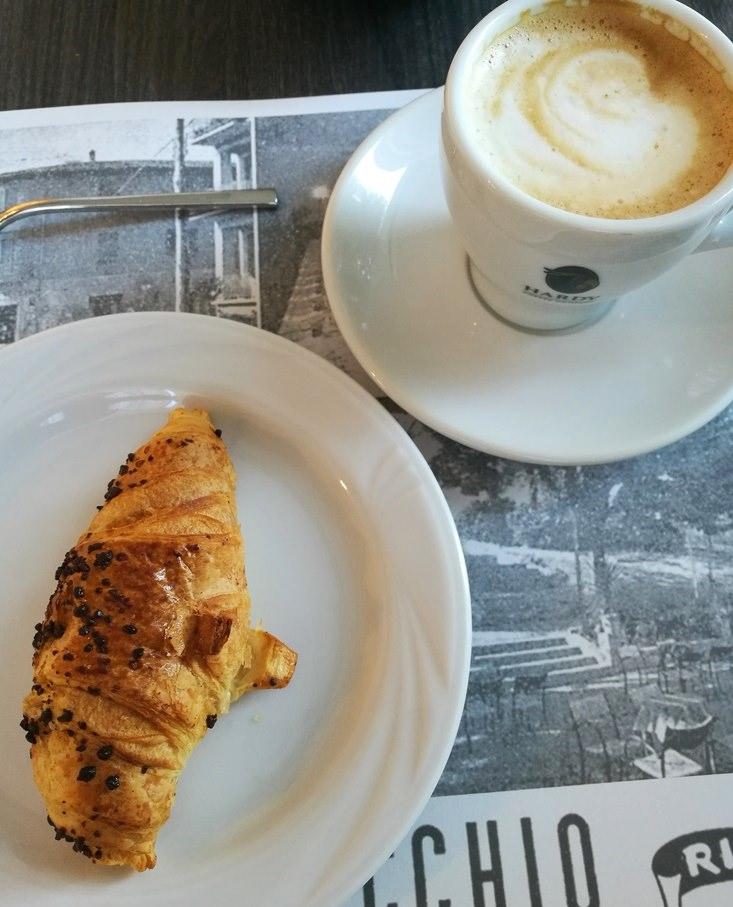 Frühstück in Bologna