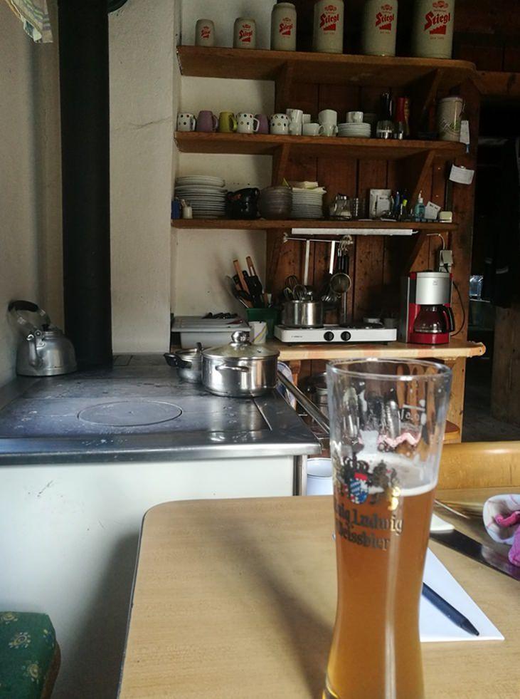 Bier am Küchentisch