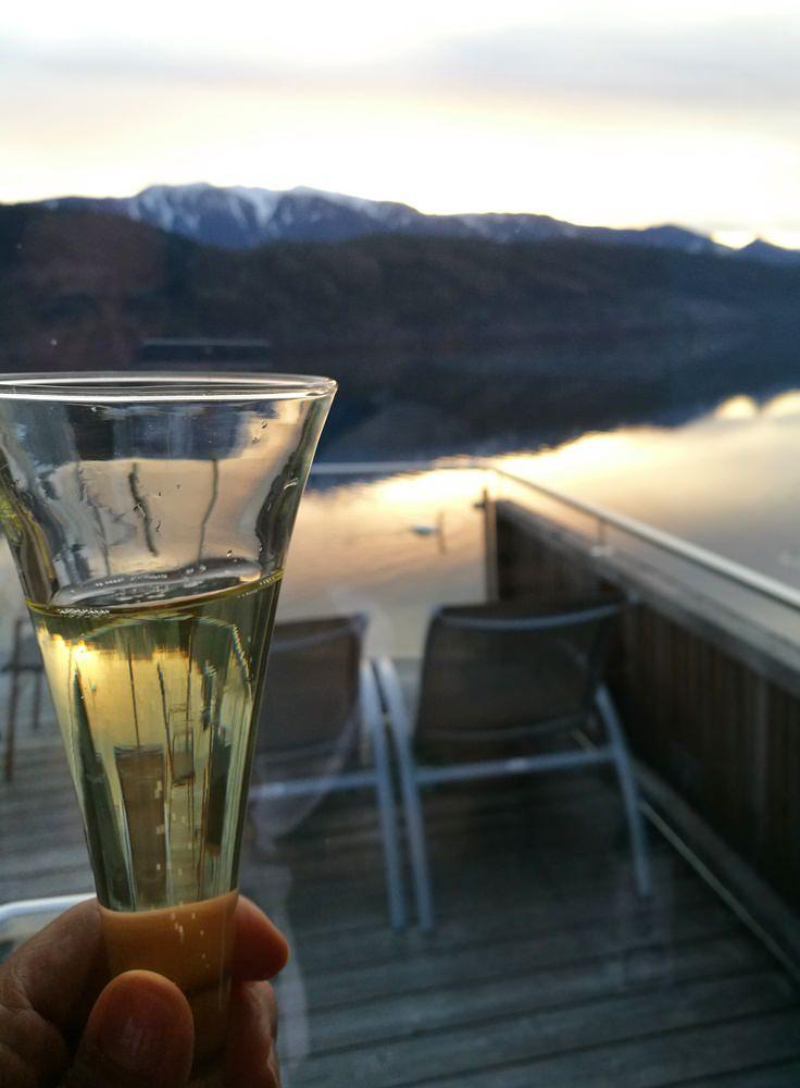Sekt trinken am Millstätter See