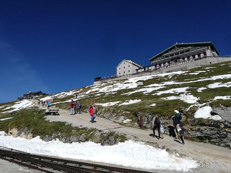Gipfelhotel am Schafberg