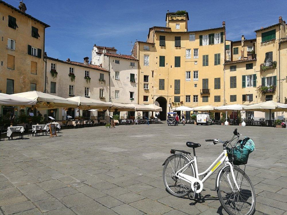 Lucca mit dem Fahrrad